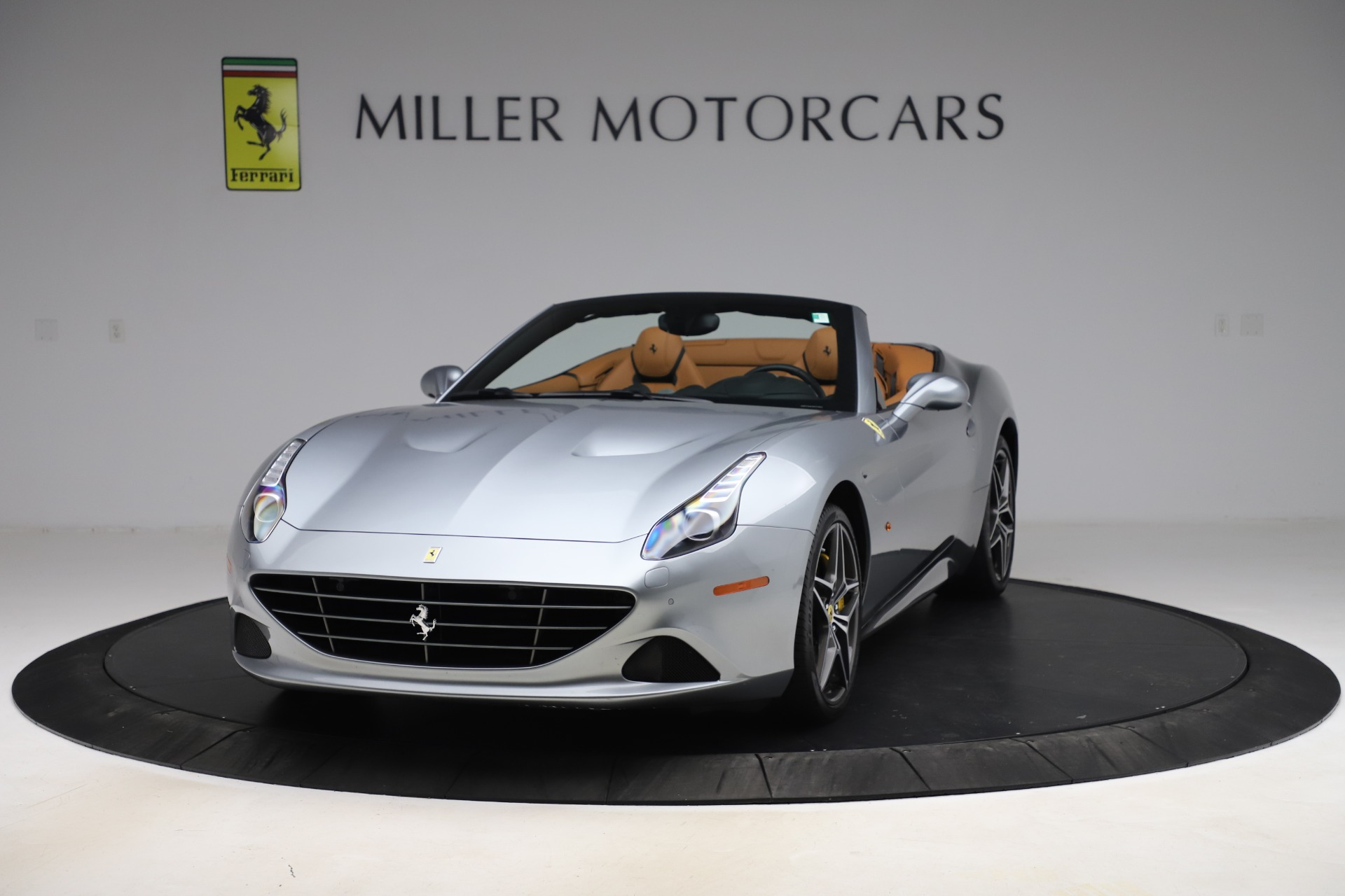 Used 2017 Ferrari California T for sale Sold at Pagani of Greenwich in Greenwich CT 06830 1