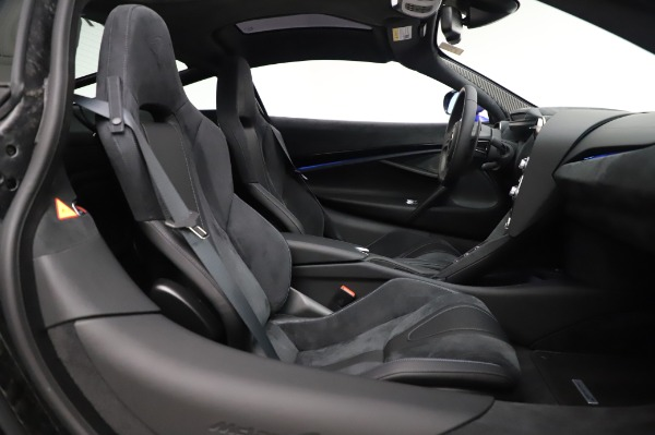New 2020 McLaren 720S Performance for sale $349,050 at Pagani of Greenwich in Greenwich CT 06830 19