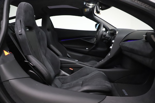 New 2020 McLaren 720S Performance for sale $347,550 at Pagani of Greenwich in Greenwich CT 06830 17