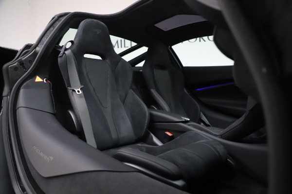 New 2020 McLaren 720S Performance for sale $347,550 at Pagani of Greenwich in Greenwich CT 06830 18
