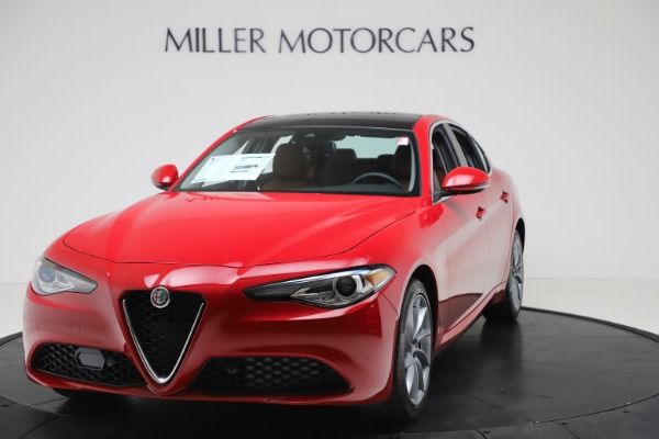 New 2020 Alfa Romeo Giulia Q4 for sale $46,395 at Pagani of Greenwich in Greenwich CT 06830 1