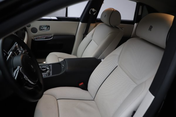 Used 2015 Rolls-Royce Ghost for sale $156,900 at Pagani of Greenwich in Greenwich CT 06830 12