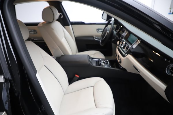 Used 2015 Rolls-Royce Ghost for sale $159,900 at Pagani of Greenwich in Greenwich CT 06830 16