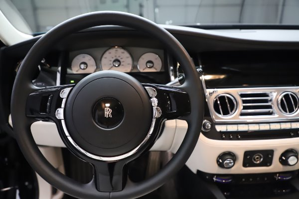 Used 2015 Rolls-Royce Ghost for sale $156,900 at Pagani of Greenwich in Greenwich CT 06830 19