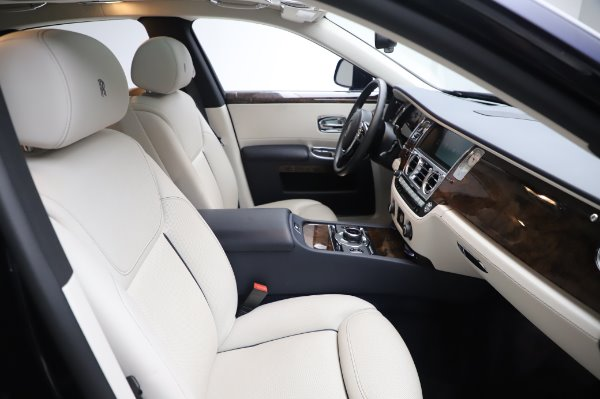 Used 2016 Rolls-Royce Ghost for sale $173,900 at Pagani of Greenwich in Greenwich CT 06830 13
