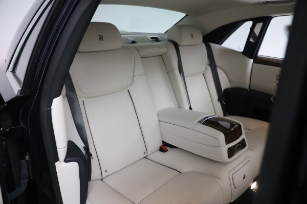 Used 2016 Rolls-Royce Ghost for sale $173,900 at Pagani of Greenwich in Greenwich CT 06830 15