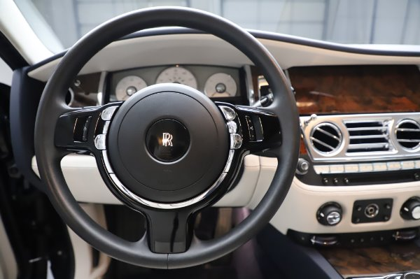 Used 2016 Rolls-Royce Ghost for sale $173,900 at Pagani of Greenwich in Greenwich CT 06830 19