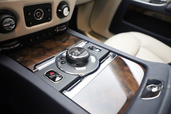 Used 2016 Rolls-Royce Ghost for sale $173,900 at Pagani of Greenwich in Greenwich CT 06830 20