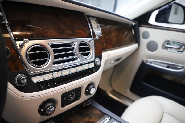 Used 2016 Rolls-Royce Ghost for sale $173,900 at Pagani of Greenwich in Greenwich CT 06830 22