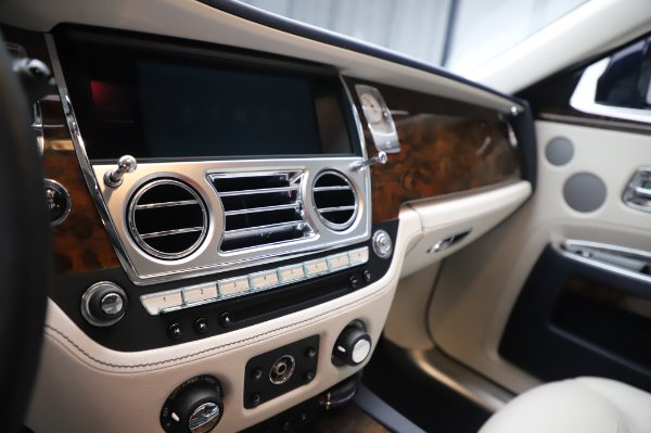 Used 2016 Rolls-Royce Ghost for sale $173,900 at Pagani of Greenwich in Greenwich CT 06830 23