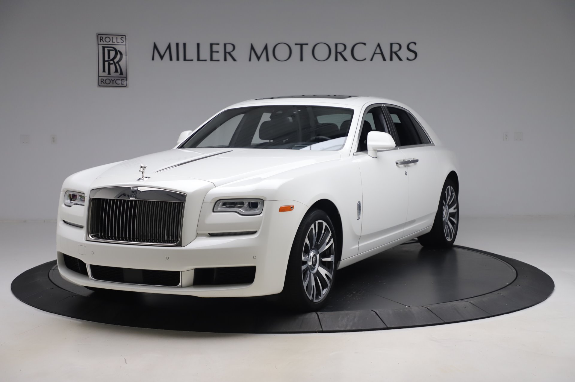 Used 2018 Rolls-Royce Ghost for sale $247,900 at Pagani of Greenwich in Greenwich CT 06830 1