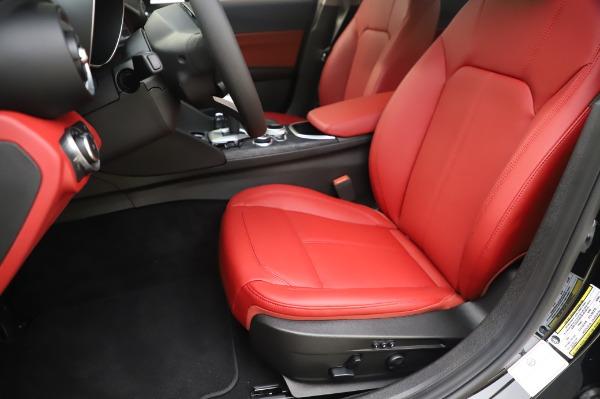 New 2020 Alfa Romeo Giulia Q4 for sale $48,445 at Pagani of Greenwich in Greenwich CT 06830 15