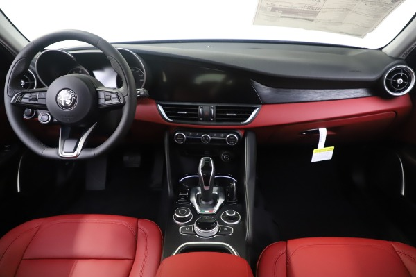 New 2020 Alfa Romeo Giulia Q4 for sale $48,445 at Pagani of Greenwich in Greenwich CT 06830 16