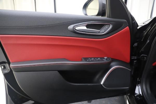 New 2020 Alfa Romeo Giulia Q4 for sale $48,445 at Pagani of Greenwich in Greenwich CT 06830 17