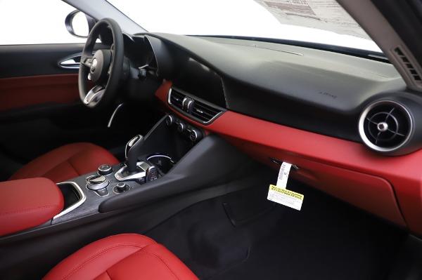 New 2020 Alfa Romeo Giulia Q4 for sale $48,445 at Pagani of Greenwich in Greenwich CT 06830 22