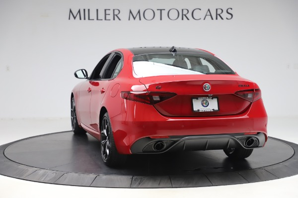 New 2020 Alfa Romeo Giulia Sport Q4 for sale $48,645 at Pagani of Greenwich in Greenwich CT 06830 5