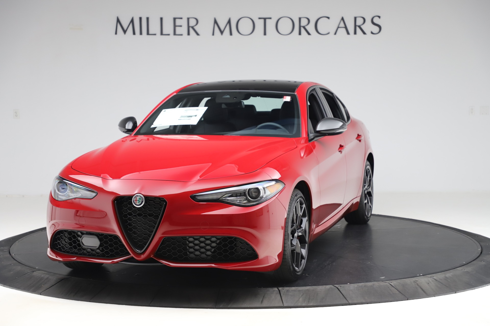New 2020 Alfa Romeo Giulia Sport Q4 for sale $48,645 at Pagani of Greenwich in Greenwich CT 06830 1
