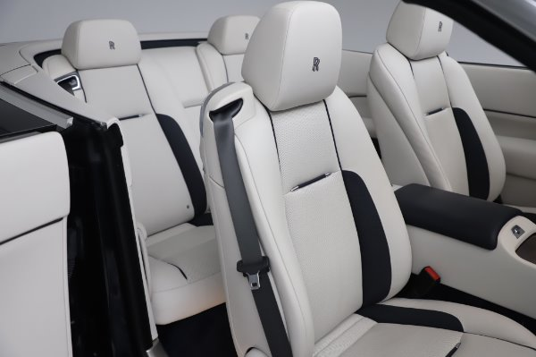 Used 2017 Rolls-Royce Dawn Base for sale $248,900 at Pagani of Greenwich in Greenwich CT 06830 22