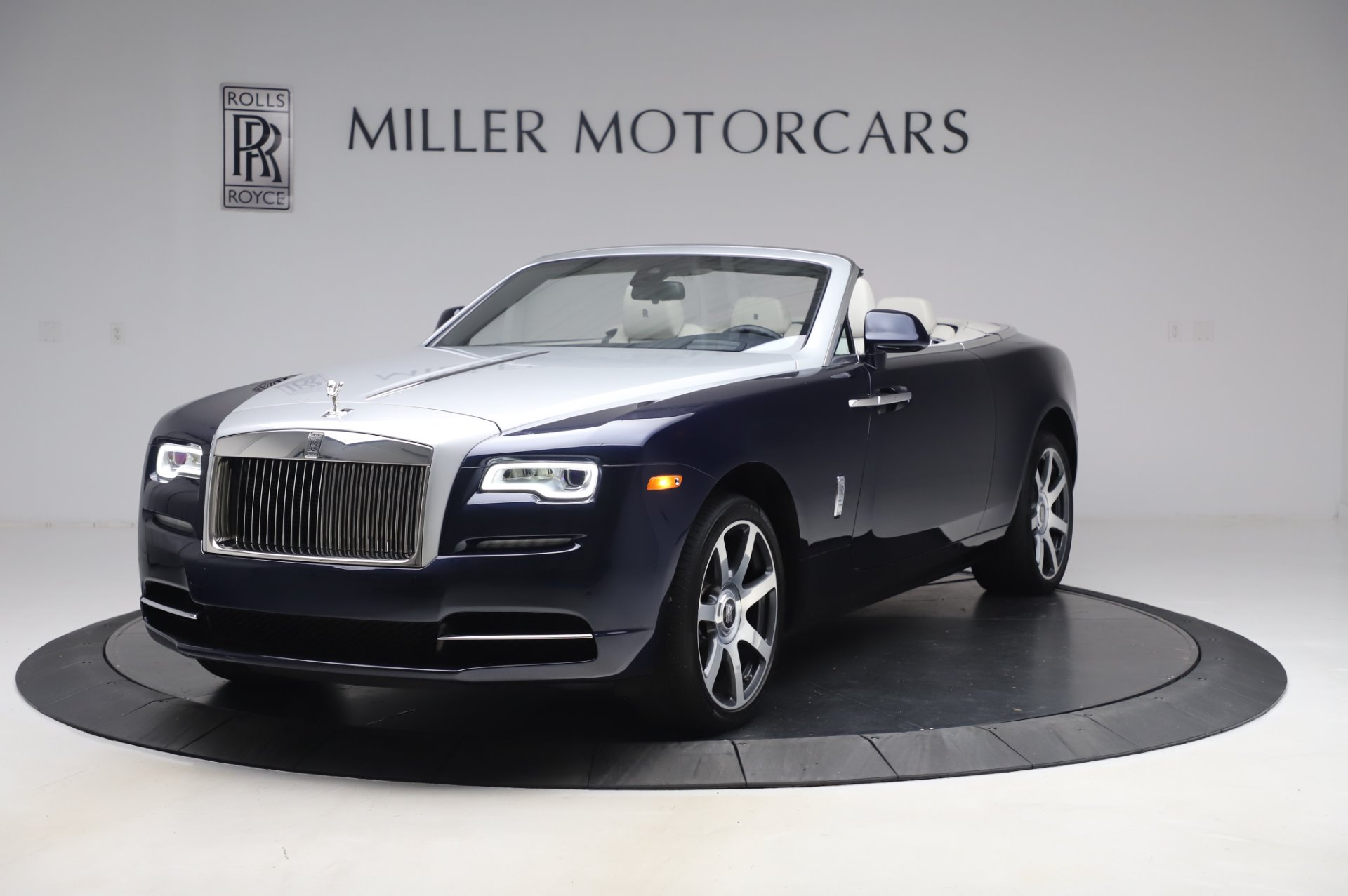 Used 2017 Rolls-Royce Dawn Base for sale $248,900 at Pagani of Greenwich in Greenwich CT 06830 1