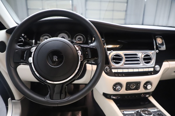 Used 2015 Rolls-Royce Wraith Base for sale $178,900 at Pagani of Greenwich in Greenwich CT 06830 17