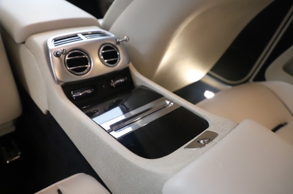 Used 2015 Rolls-Royce Wraith Base for sale $178,900 at Pagani of Greenwich in Greenwich CT 06830 24