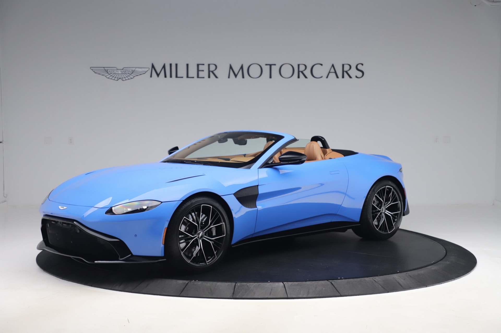 New 2021 Aston Martin Vantage Roadster for sale Call for price at Pagani of Greenwich in Greenwich CT 06830 1