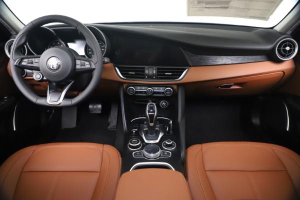 New 2020 Alfa Romeo Giulia Q4 for sale $45,445 at Pagani of Greenwich in Greenwich CT 06830 16