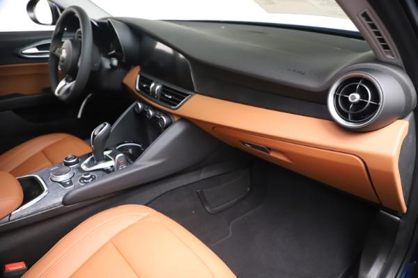 New 2020 Alfa Romeo Giulia Q4 for sale $45,445 at Pagani of Greenwich in Greenwich CT 06830 23