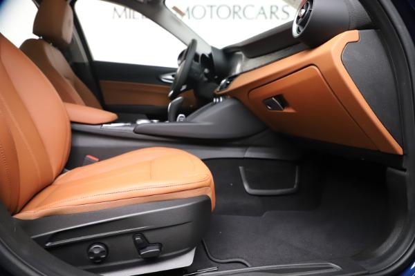 New 2020 Alfa Romeo Giulia Q4 for sale $45,445 at Pagani of Greenwich in Greenwich CT 06830 24