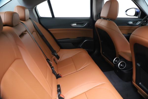 New 2020 Alfa Romeo Giulia Q4 for sale $45,445 at Pagani of Greenwich in Greenwich CT 06830 28