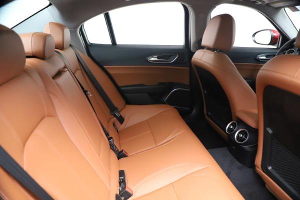 New 2020 Alfa Romeo Giulia Q4 for sale $44,845 at Pagani of Greenwich in Greenwich CT 06830 27