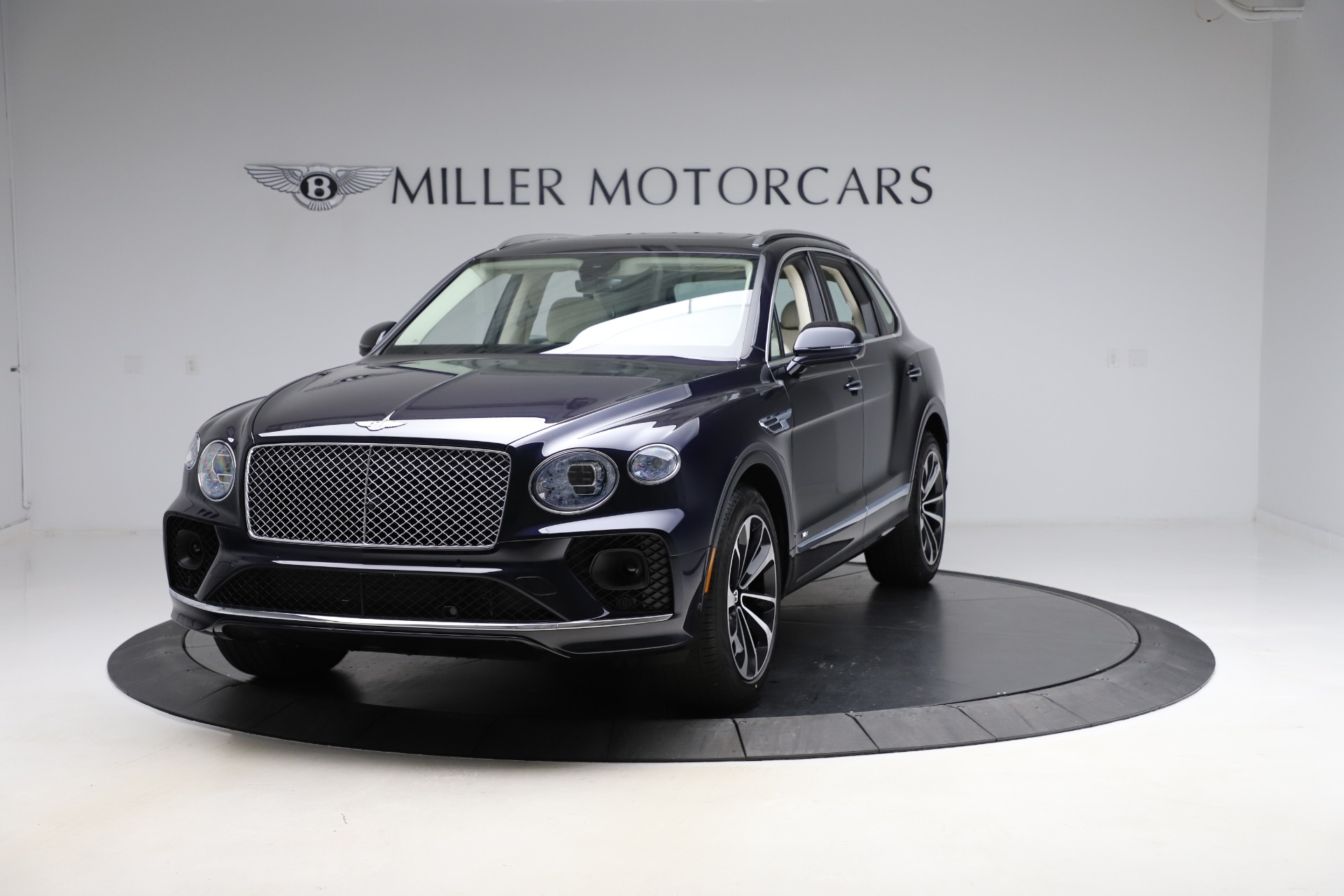 New 2021 Bentley Bentayga V8 for sale Sold at Pagani of Greenwich in Greenwich CT 06830 1