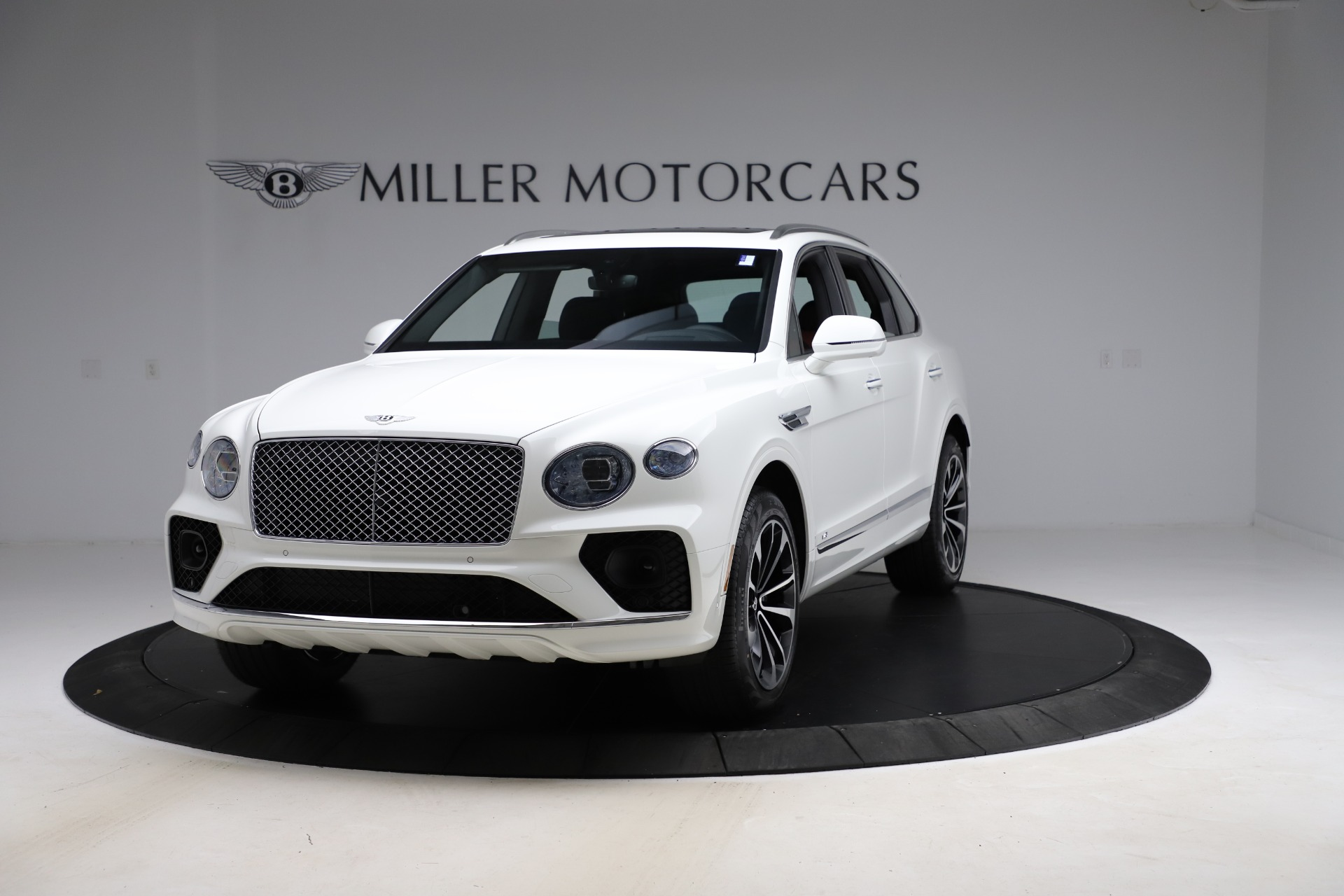 New 2021 Bentley Bentayga V8 for sale $207,765 at Pagani of Greenwich in Greenwich CT 06830 1