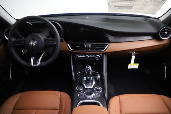 New 2020 Alfa Romeo Giulia Q4 for sale $47,845 at Pagani of Greenwich in Greenwich CT 06830 16