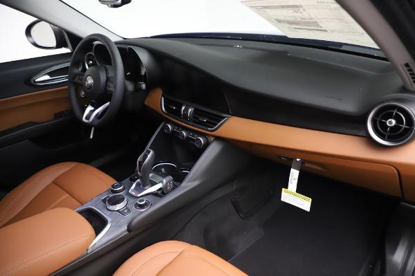 New 2020 Alfa Romeo Giulia Q4 for sale $47,845 at Pagani of Greenwich in Greenwich CT 06830 24