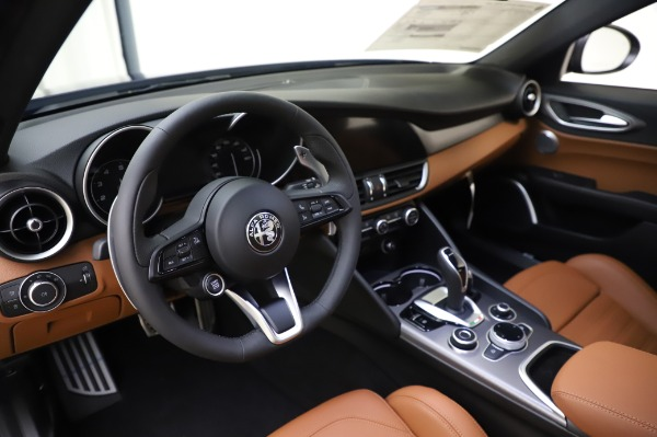 New 2020 Alfa Romeo Giulia Ti Sport Q4 for sale $51,495 at Pagani of Greenwich in Greenwich CT 06830 13