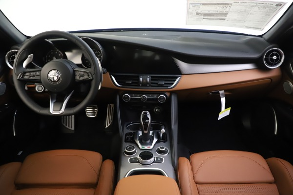New 2020 Alfa Romeo Giulia Ti Sport Q4 for sale $51,495 at Pagani of Greenwich in Greenwich CT 06830 16