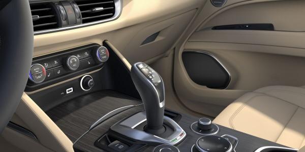 New 2020 Alfa Romeo Stelvio Ti Lusso Q4 for sale $54,745 at Pagani of Greenwich in Greenwich CT 06830 5