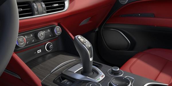 New 2020 Alfa Romeo Stelvio Ti Lusso Q4 for sale $54,145 at Pagani of Greenwich in Greenwich CT 06830 5