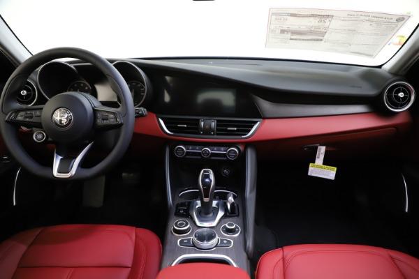 New 2020 Alfa Romeo Giulia Ti Q4 for sale Sold at Pagani of Greenwich in Greenwich CT 06830 17