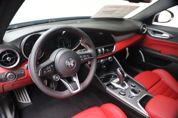 New 2020 Alfa Romeo Giulia Ti Sport Q4 for sale $51,095 at Pagani of Greenwich in Greenwich CT 06830 13