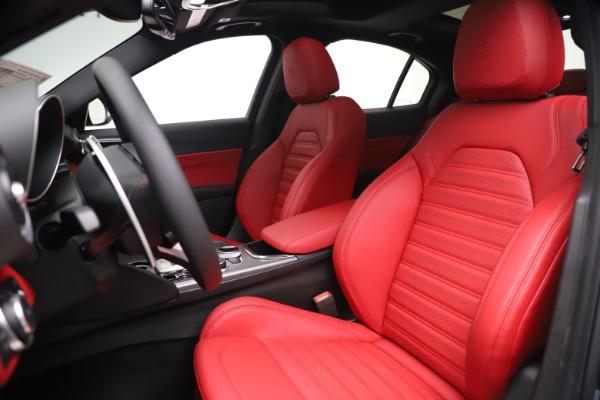 New 2020 Alfa Romeo Giulia Ti Sport Q4 for sale $51,095 at Pagani of Greenwich in Greenwich CT 06830 15