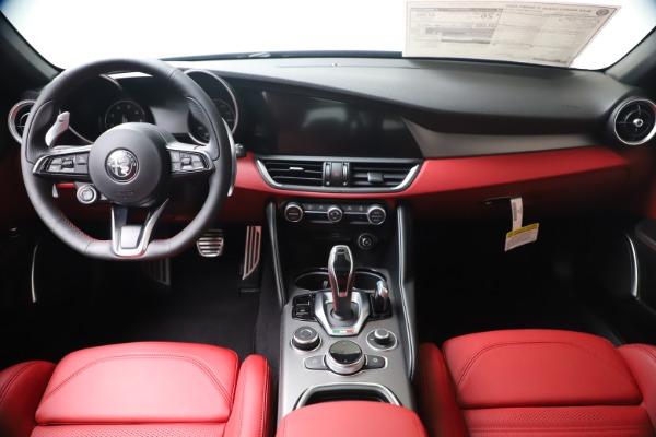 New 2020 Alfa Romeo Giulia Ti Sport Q4 for sale $51,095 at Pagani of Greenwich in Greenwich CT 06830 16