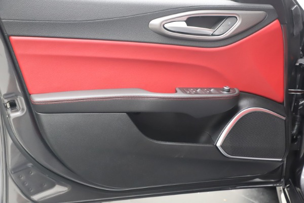 New 2020 Alfa Romeo Giulia Ti Sport Q4 for sale $51,095 at Pagani of Greenwich in Greenwich CT 06830 17