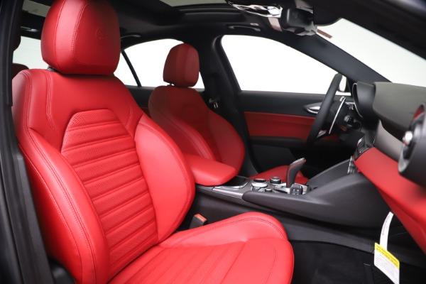 New 2020 Alfa Romeo Giulia Ti Sport Q4 for sale $51,095 at Pagani of Greenwich in Greenwich CT 06830 22