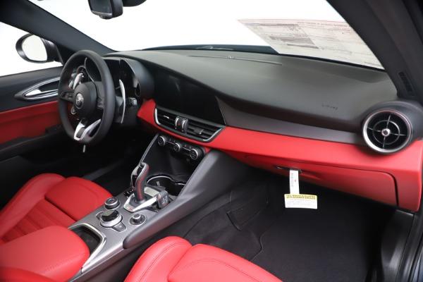 New 2020 Alfa Romeo Giulia Ti Sport Q4 for sale $51,095 at Pagani of Greenwich in Greenwich CT 06830 24