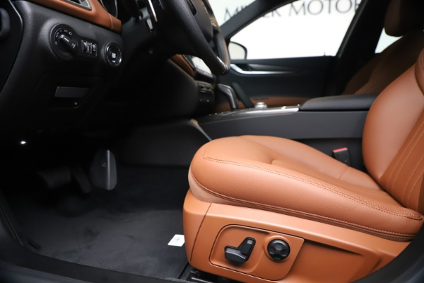 New 2020 Maserati Ghibli S Q4 for sale $87,285 at Pagani of Greenwich in Greenwich CT 06830 14
