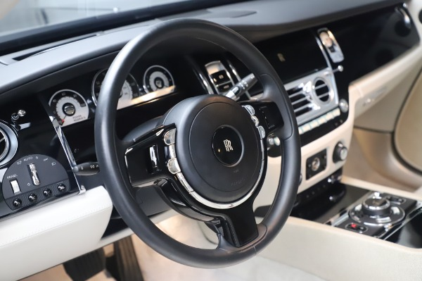 Used 2014 Rolls-Royce Wraith Base for sale $168,900 at Pagani of Greenwich in Greenwich CT 06830 16