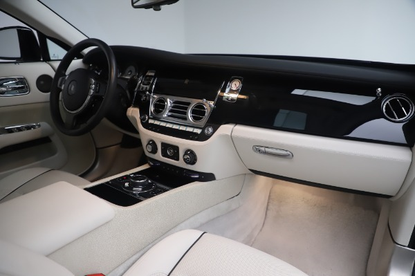 Used 2014 Rolls-Royce Wraith Base for sale $168,900 at Pagani of Greenwich in Greenwich CT 06830 21