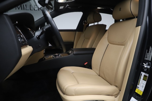 Used 2016 Rolls-Royce Ghost for sale $175,900 at Pagani of Greenwich in Greenwich CT 06830 15